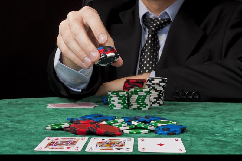 как делать в покере ставки новичку